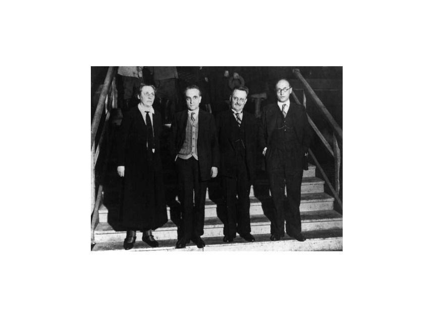 NUR FÜR EINESTAGES - Die erste Frau im Parlament