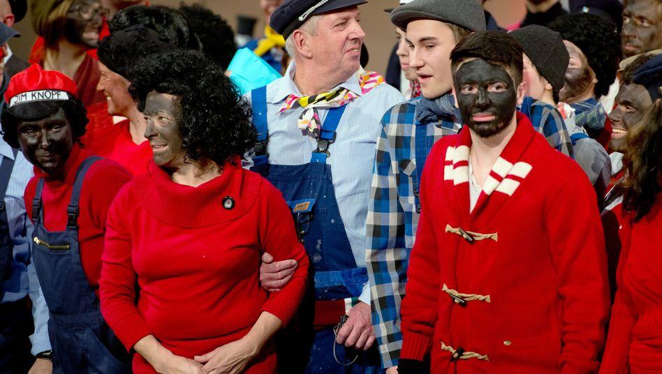 """Teilnehmer der Saalwette: """"Schwarze Farbe oder Schuhcreme, ganz egal"""""""