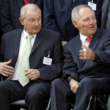Beckstein (li) und Schäuble: Verfechter von bundeswehreinsätzen im Inneren