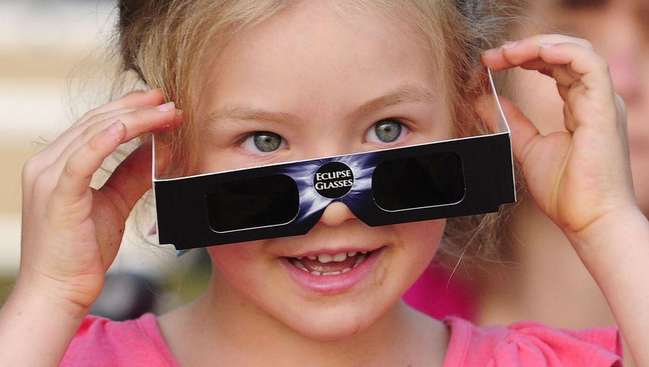 Augenschutz: Sonnenfinsternis-Brillen sind alle. Und nun?