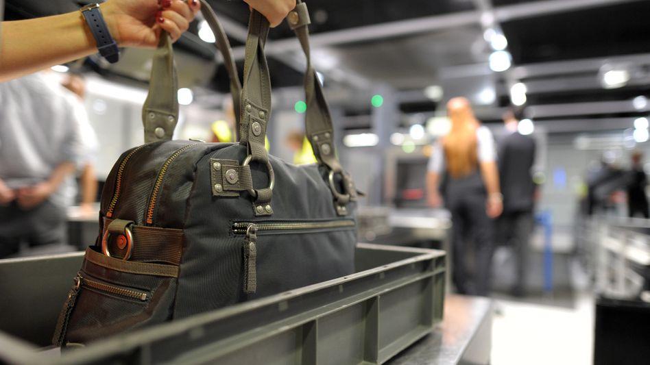 Laptop im Handgepäck: Ab April dürfen Lithium-Ionen-Akkus nicht mehr in den Frachtraum