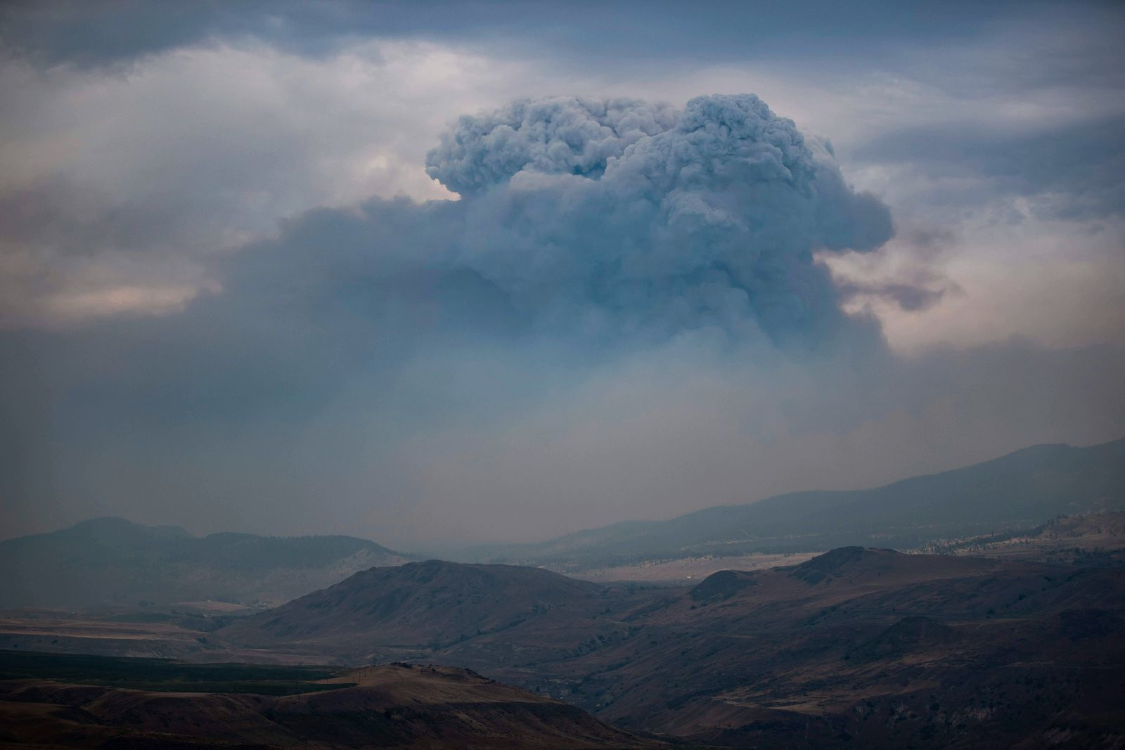 News Bilder des Tages July 16, 2021, Ashcroft, BC, Canada: A pyrocumulus cloud, also known as a fire cloud, forms in the