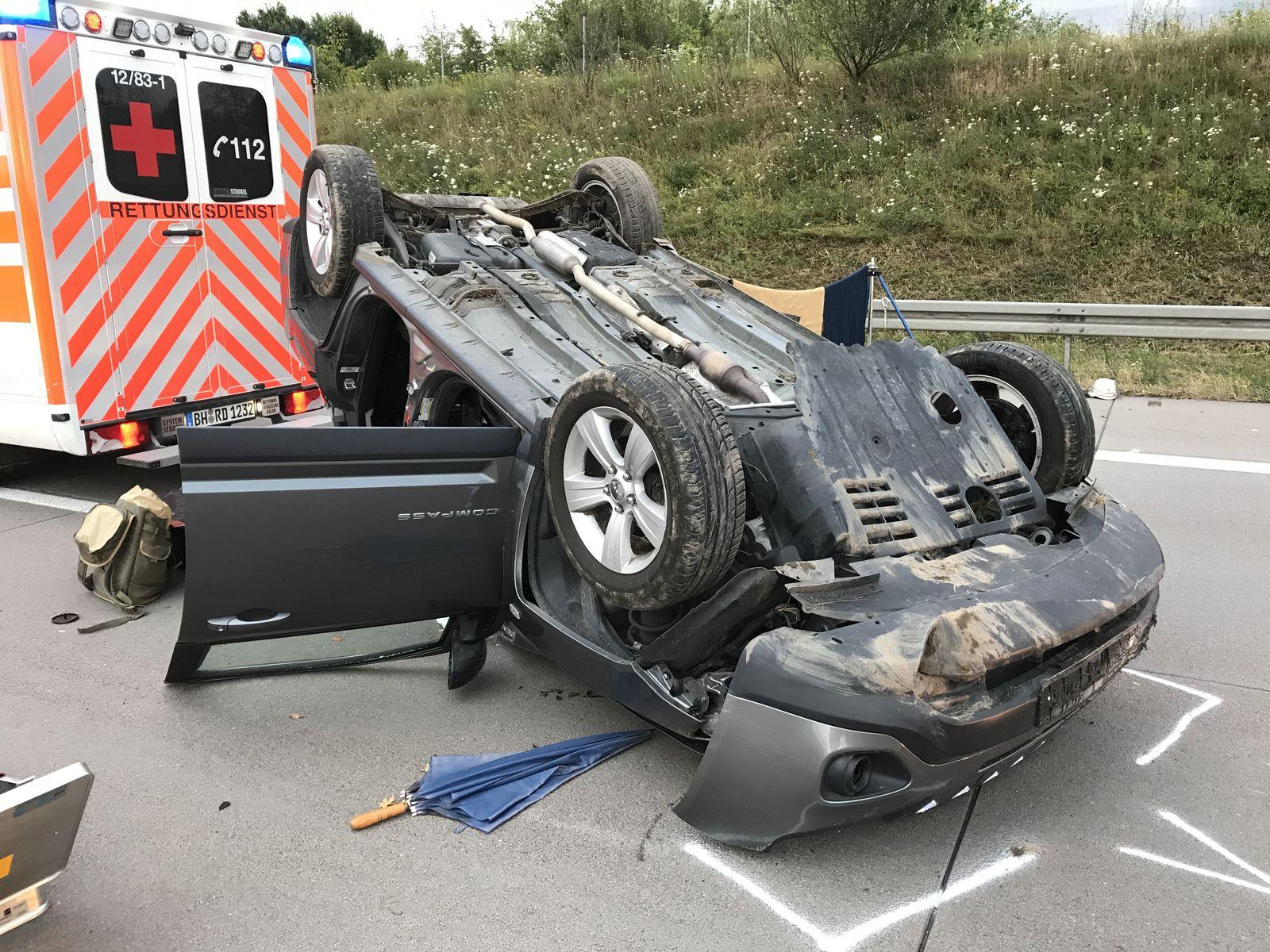 EINMALIGE VERWENDUNG Schwerer Unfall auf der A5