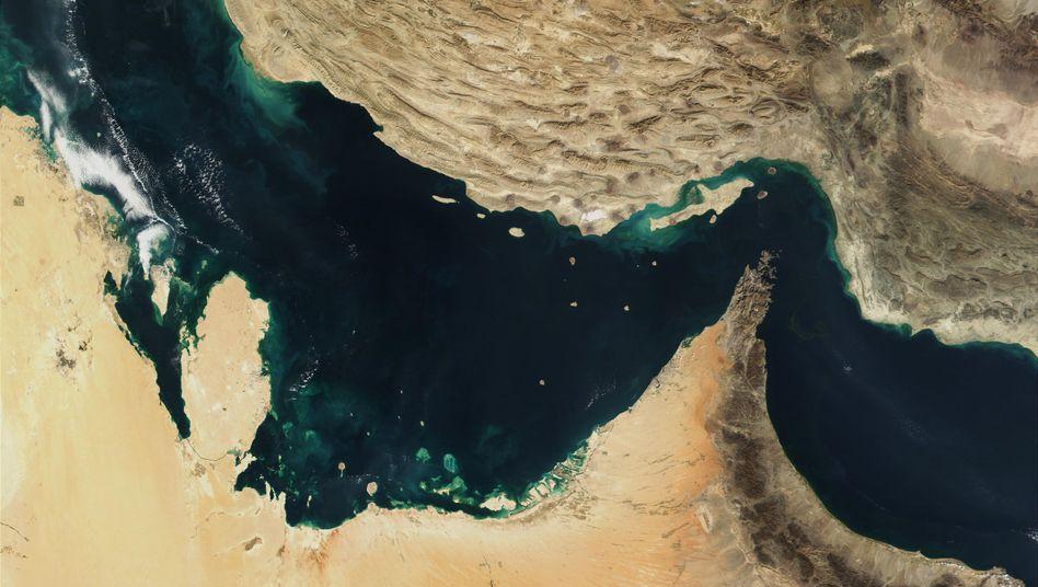 Satellitenbild der Straße von Hormus: Die Lage könnte sich weiter verschärfen