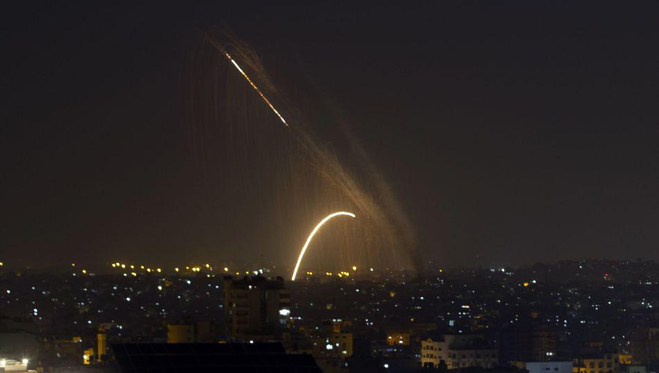 Aus dem Gazastreifen werden Raketen auf Israel abgefeuert