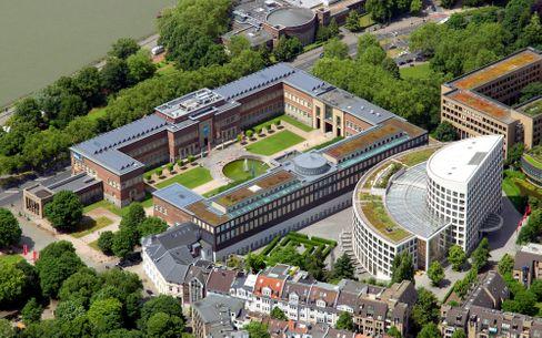 Düsseldorfer Ehrenhof: Platz und Geld für ein zweites Zentrum?