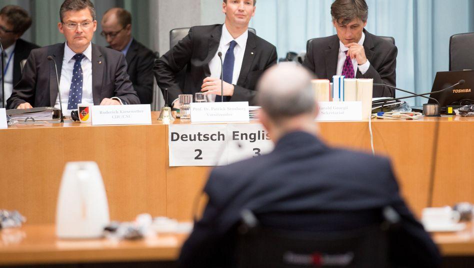 """Sensburg im NSA-Ausschuss: """"Interne Kommunikation sicher halten"""""""
