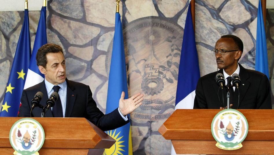 Besuch in Ruanda: Nicolas Sarkozy mit Paul Kagame, dem ruandischen Präsidenten