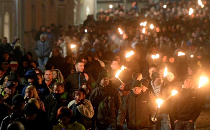 """""""Lichterlauf"""" gegen ein Asylbewerberheim in Schneeberg (2013): Druck von rechts"""