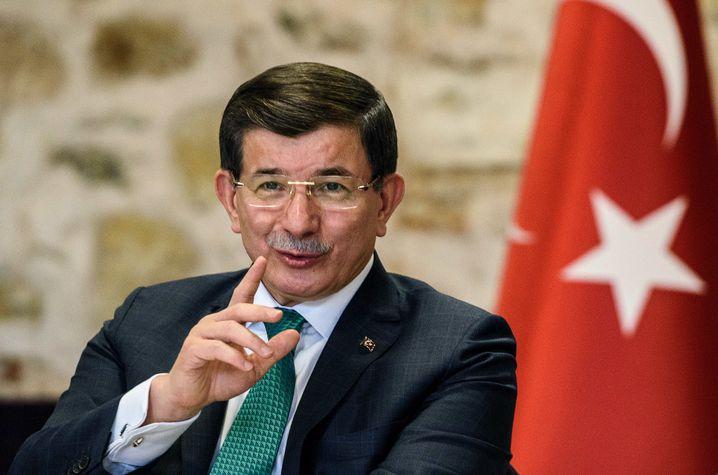 """Ministerpräsident Davutoglu: """"Ihr Kampf ist nicht gegen den IS gerichtet"""""""