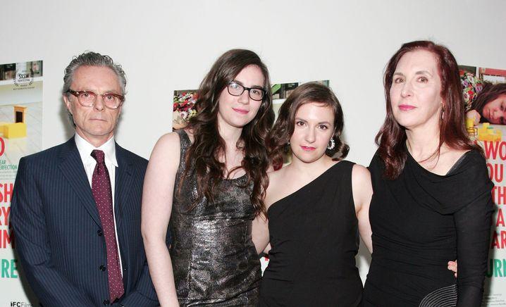Eine Familie gründen - und Künstler bleiben: wie die Dunhams (v.l.n.r.: Carroll, Grace, Lena und Laurie Simmons)