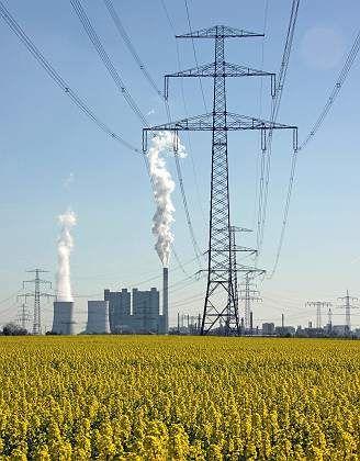 Kraftwerk und Überlandleitungen: Nachfrage nach Energie wächst weiter