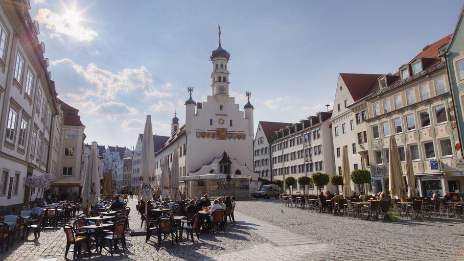 Rathausplatz in Kempten: Radikaler Salafist soll abgeschoben werden