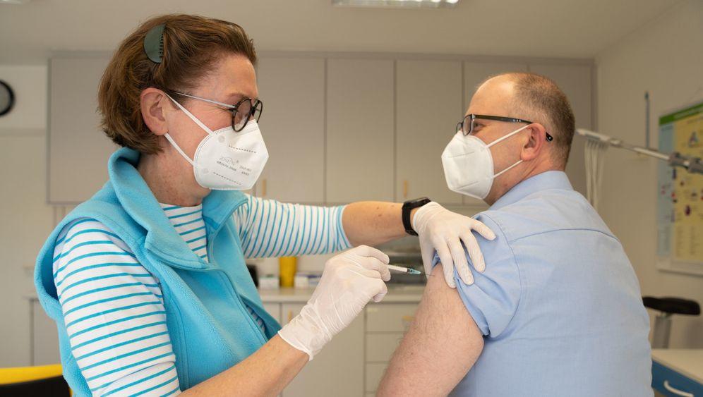 Impfen beim Hausarzt: Nach Ostern ist das möglich