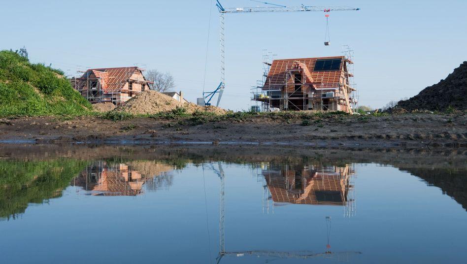Häuser im Rohbau (im niedersächsischen Laatzen)