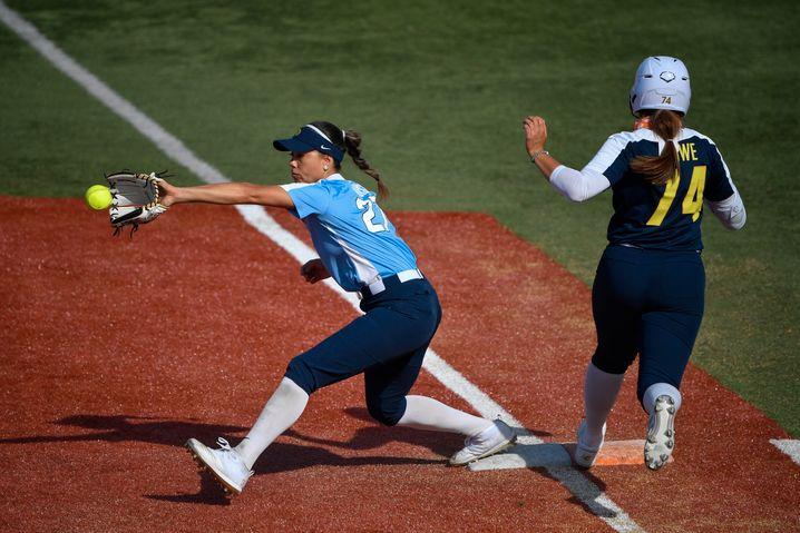 """Spielerinnen beim Turnier in Illinois: """"Die Liga ist aber genau um das Prinzip herum gebaut, das wir lieben: Teamsport."""""""