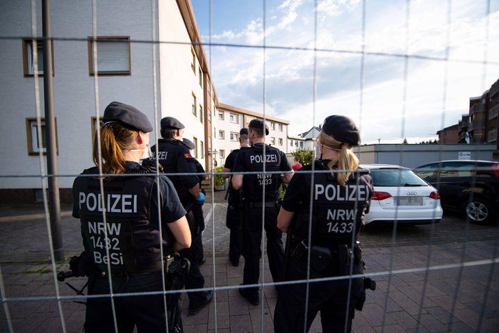 Wohnsiedlung von Tönnies-Mitarbeitern: Quarantäne wird notfalls mit Zwang durchgesetzt