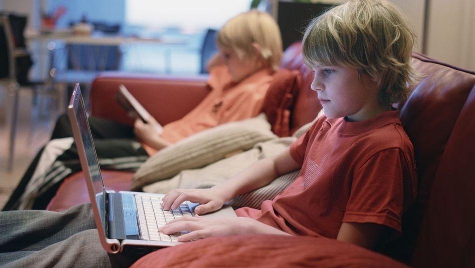 Kinder im Netz: Viele spannende, aber auch gefährliche Angebote