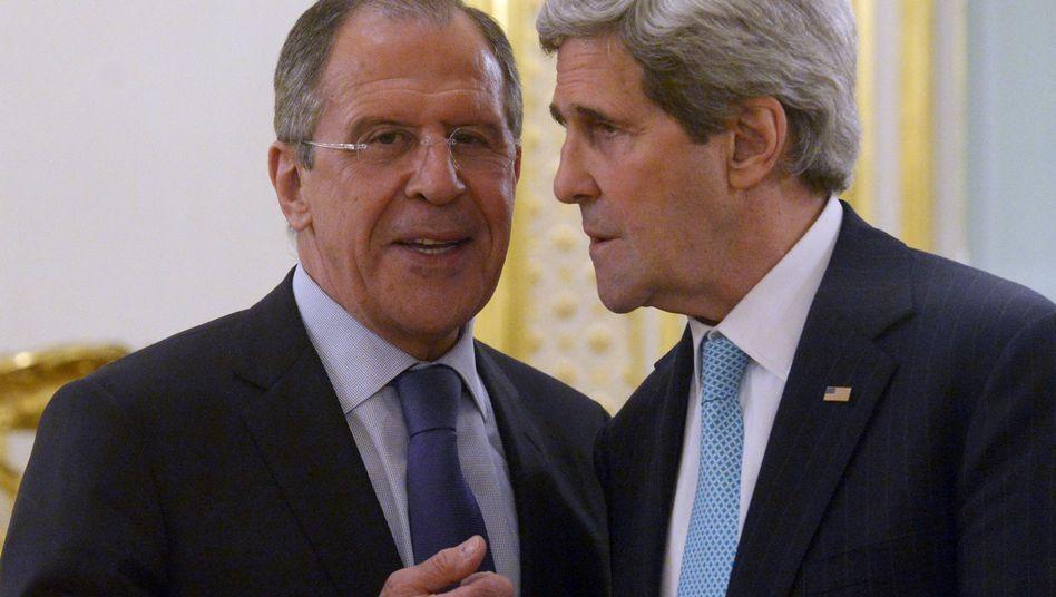 """Lawrow und Kerry (Archivbild): """"Orchestrierte Kampagne mit russischer Unterstützung"""""""