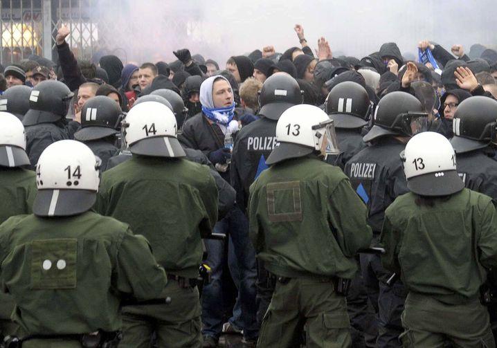 """Polizei, Fußballfans: """"Wollen Zeichen setzen"""""""
