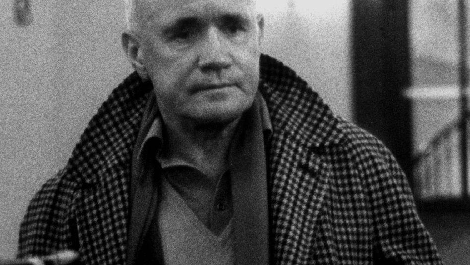 """Jean Genet, Autor von """"Les Nègres"""": Nur durch Schwarze zu besetzen"""