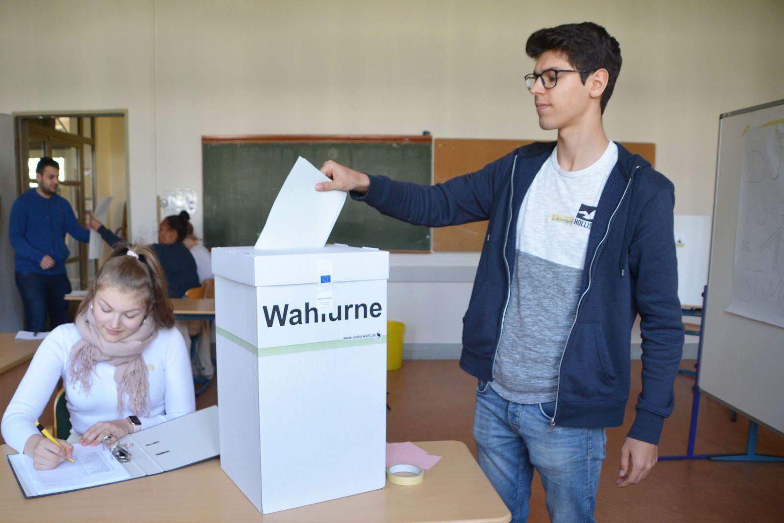 EINMALIGE VERWENDUNG Juniorwahl / Heinrich-Hertz-Schule / Hamburg