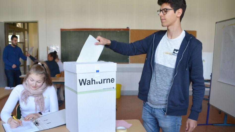 Hamburger Schüler bei der Juniorwahl