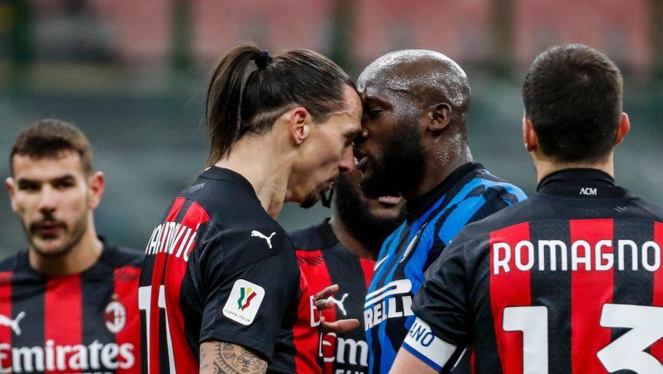 Zlatan Ibrahimović (l.) und Romelu Lukaku hatten Diskussionsbedarf