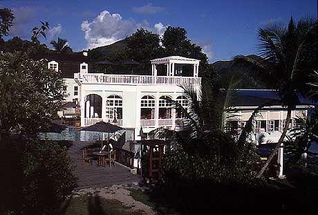 Bar und Restaurant des L'Archipel auf Praslin wurden im kolonialen Stil errichtet