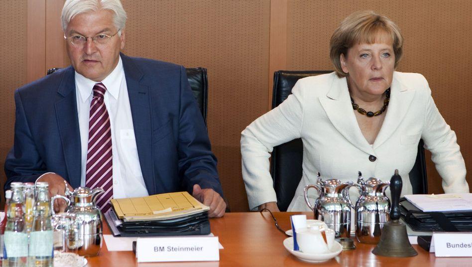 Merkel, Steinmeier: Der Kanzlerin drohen herbe Verluste, dem Vize die Rot-Rot-Debatte