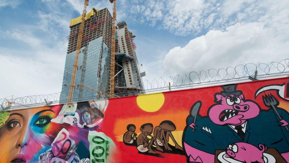 EZB-Neubau in Frankfurt am Main: Greift die Notenbank ein oder nicht?