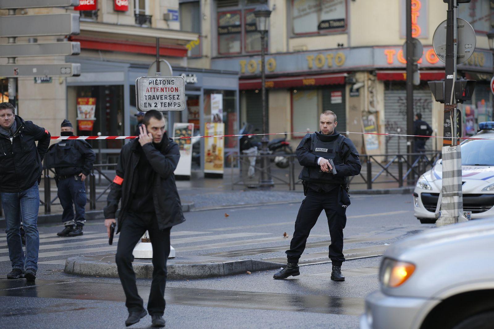 Paris/ Schüsse