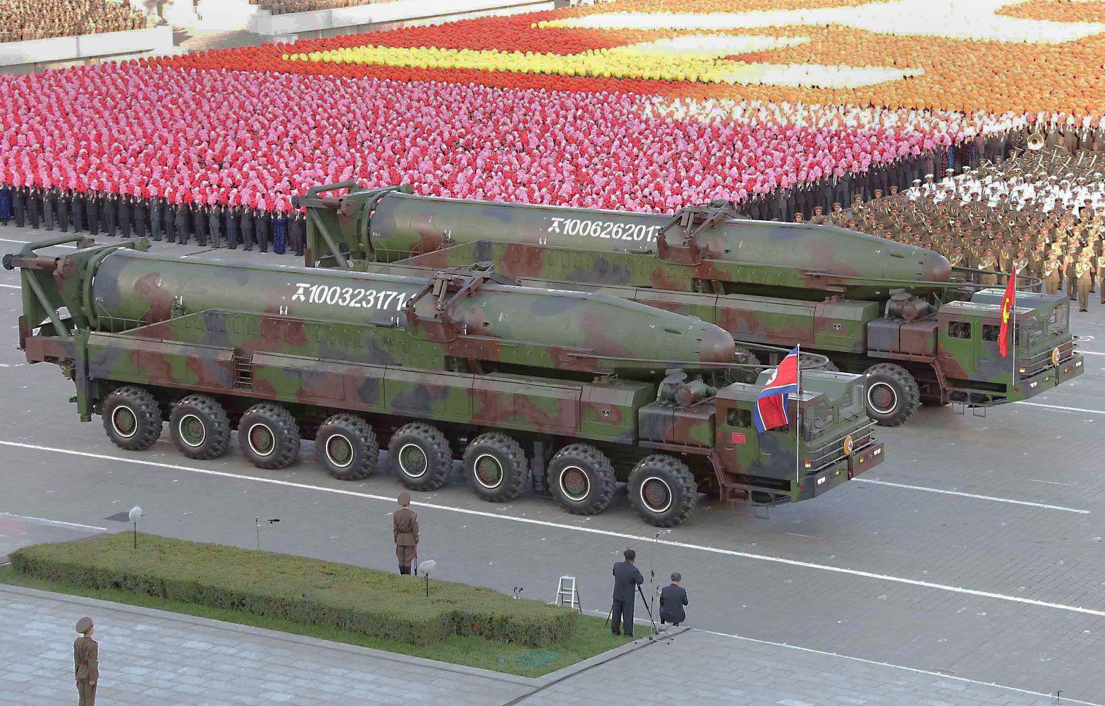 Kim/ Rakete