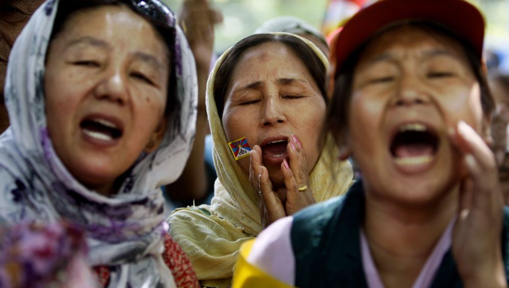 Photo Gallery: New Book to Outline Chinese Abuses in Tibet