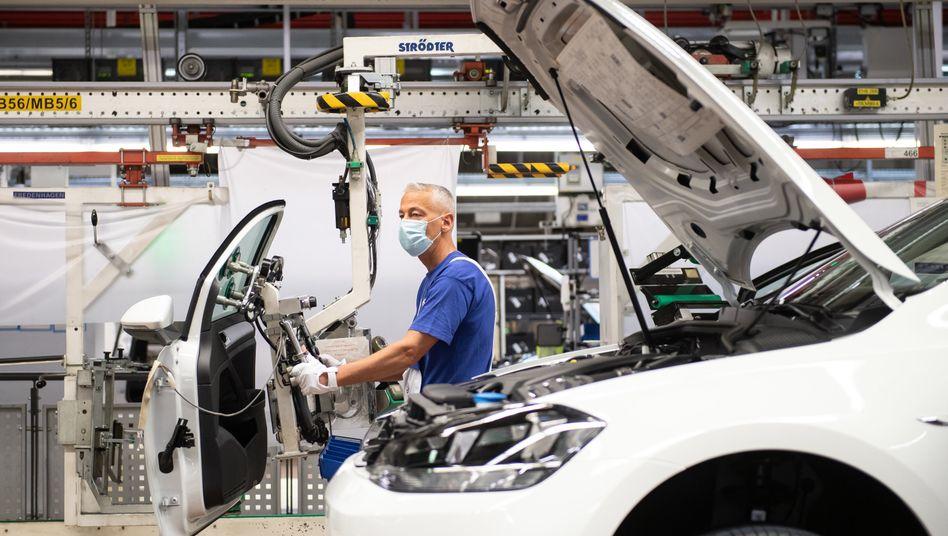 Produktion im VW-Werk Wolfsburg: Immerhin mit dickem Liquiditätspolster ausgestattet