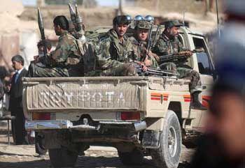 Afghanistan: Regierungstreue Soldaten im Einsatz gegen die Taliban