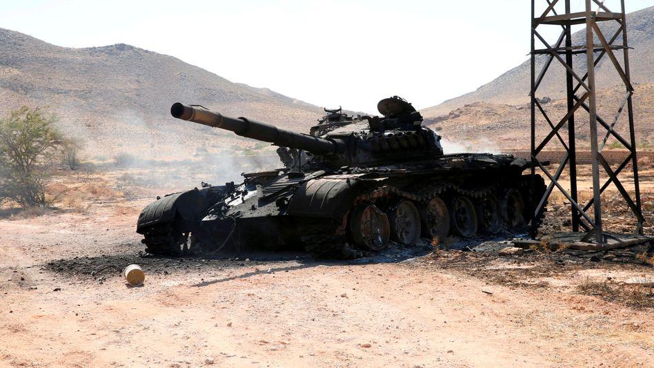 Zerstörter Panzer in Libyen (Archivaufnahme)