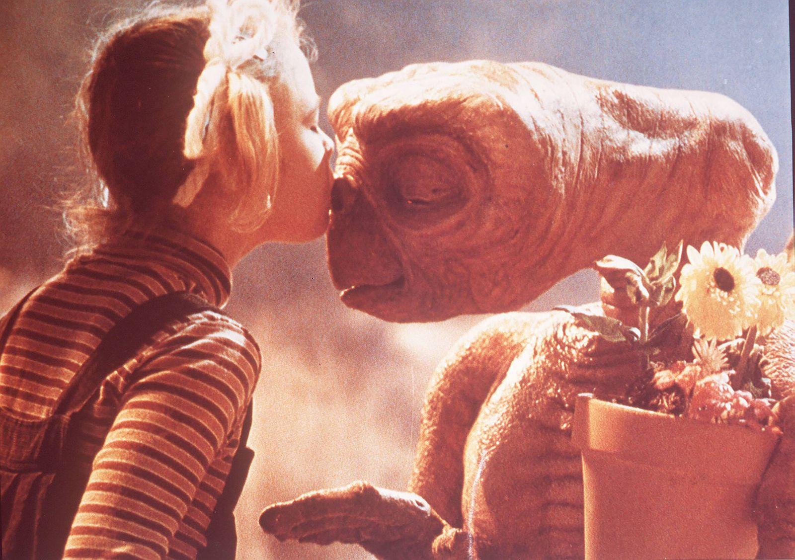 E T Der Ausserirdische E T The Extra Terrestrial 1982 Steven Spielberg Gertie DREW BARRYMORE k