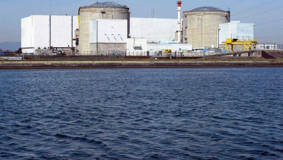 Atomkraftwerk Fessenheim am Rhein