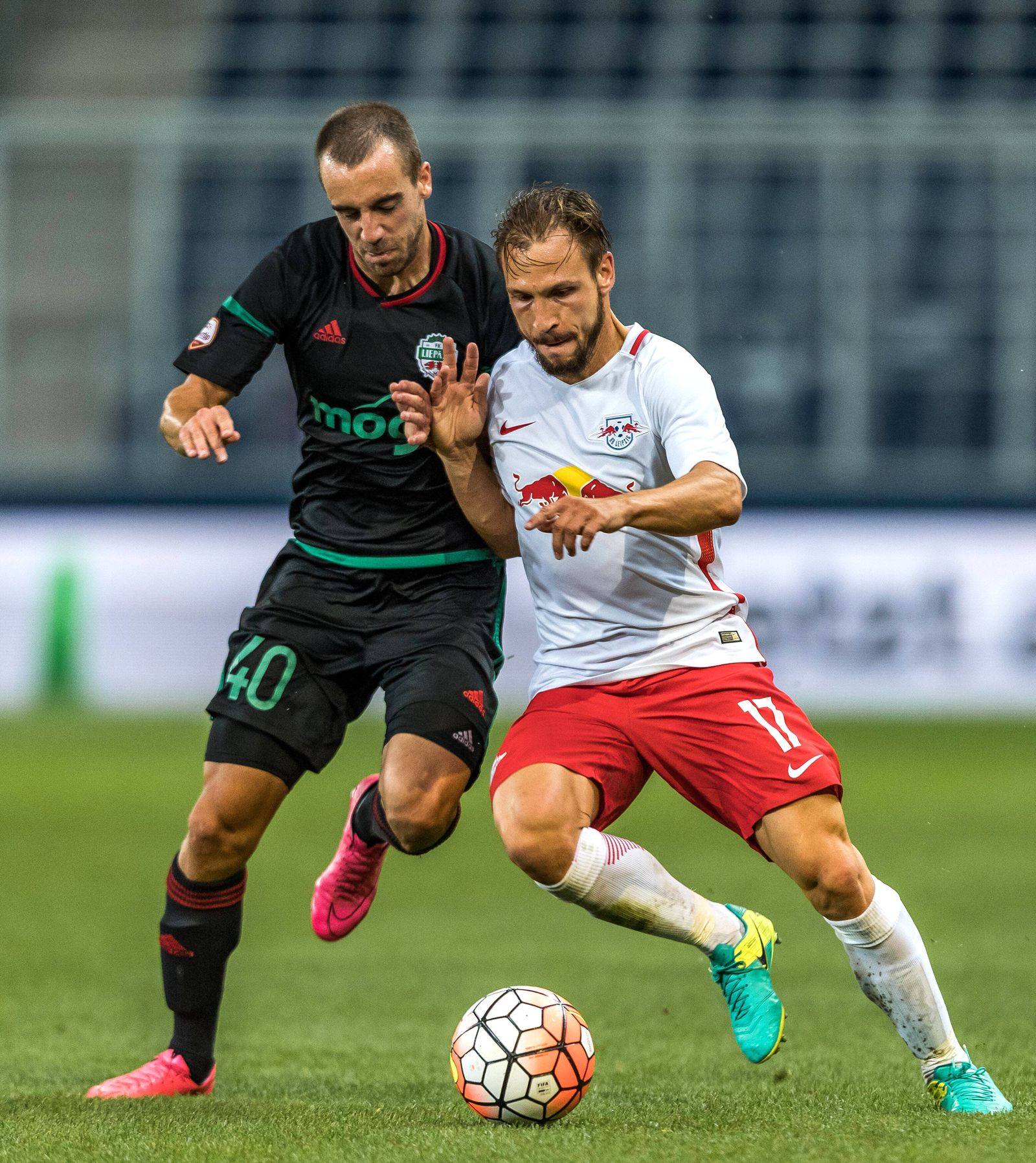 EINMALIGE VERWENDUNG Fussball CL/ RB Salzburg vs FK Liepaja/ Andreas Ulmer mit Leipzig Trikot