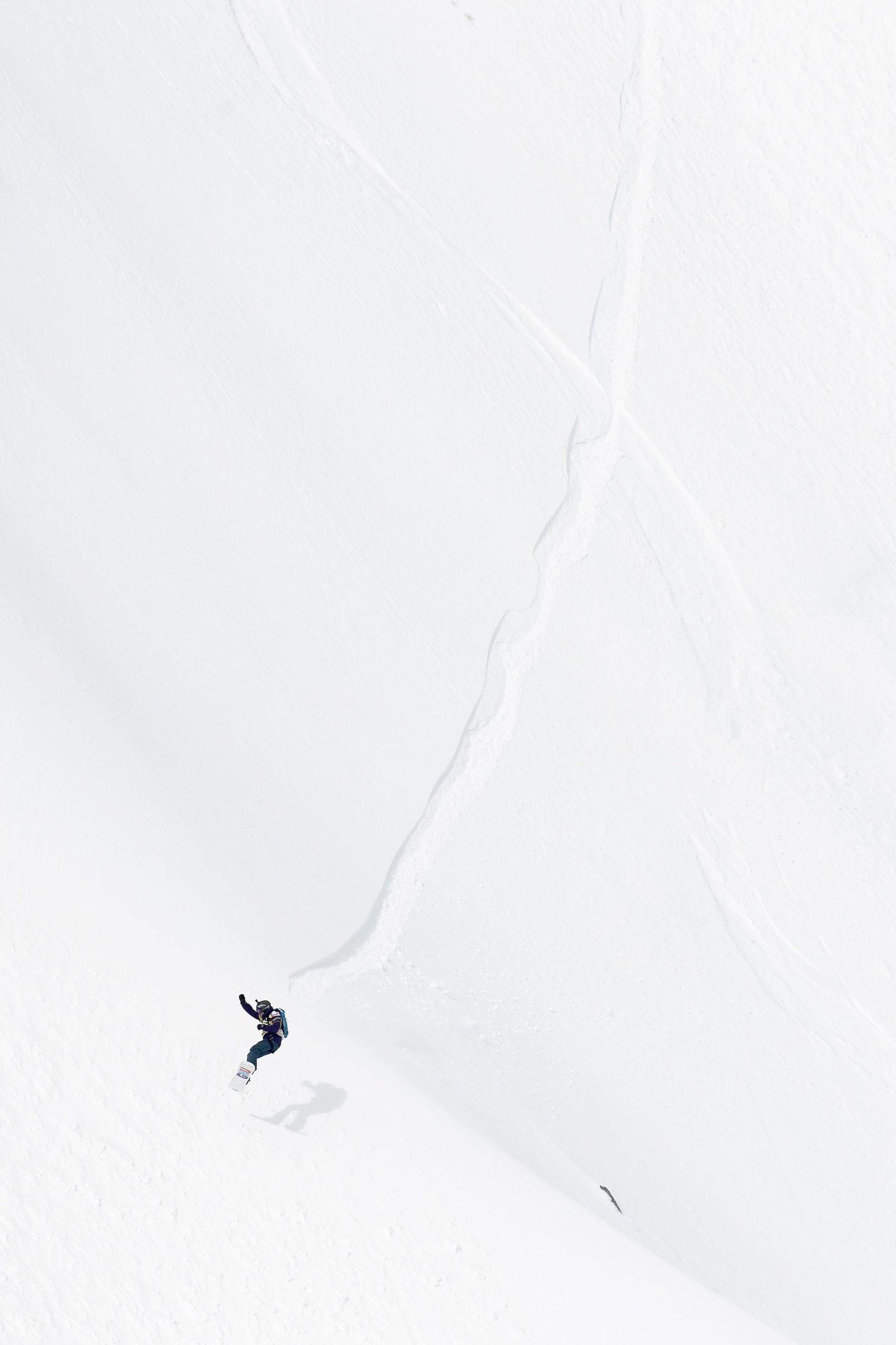 Snowboard/ Skipass/ Schweiz