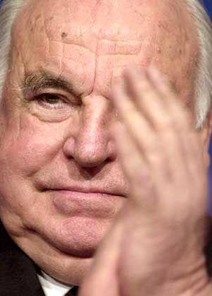 Helmut Kohl hat den Vertrag im Frühjahr 1999 unterzeichnet