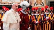 """Elf Corona-Fälle bei Schweizergarde - """"Vorsicht im Umgang mit Papst"""" gefordert"""