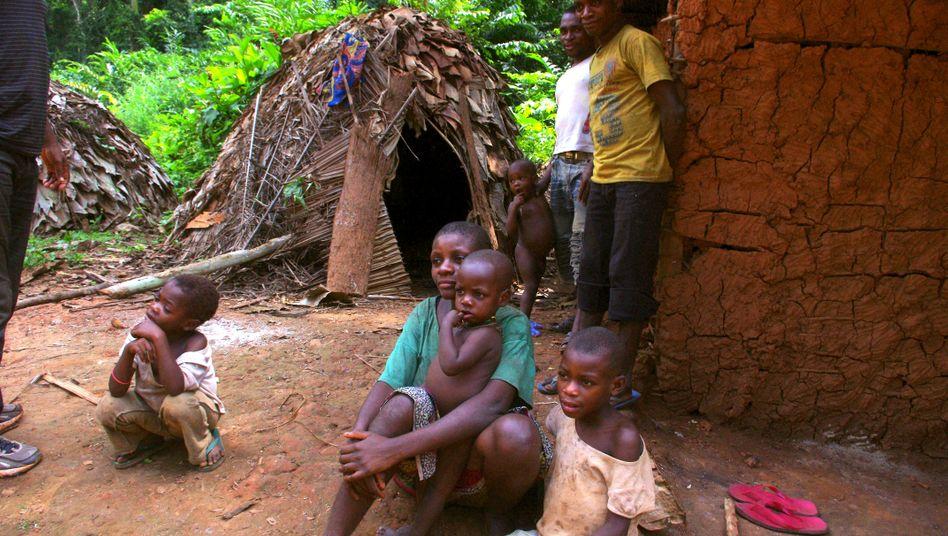 Angehörige der Baka in Kamerun (2016): Mitglieder dieses Pygmäenvolks sind dem Berichtsentwurf zufolge misshandelt worden