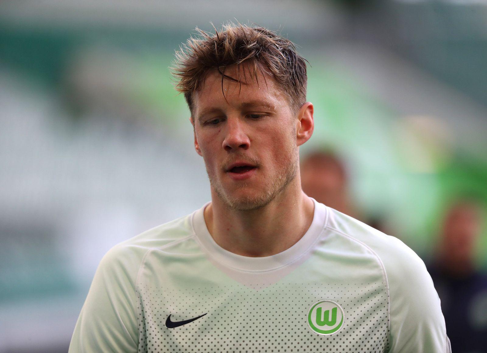VfL vs. Bayern, 1. BL Wolfsburg, 17.04.2021, FUßBALL - VfL Wolfsburg vs. FC Bayern München, 1. BL, Saison 2020/21, Volk