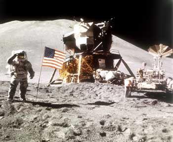 Apollo-15-Mission: Astronaut James Irwin auf echtem Mondstaub