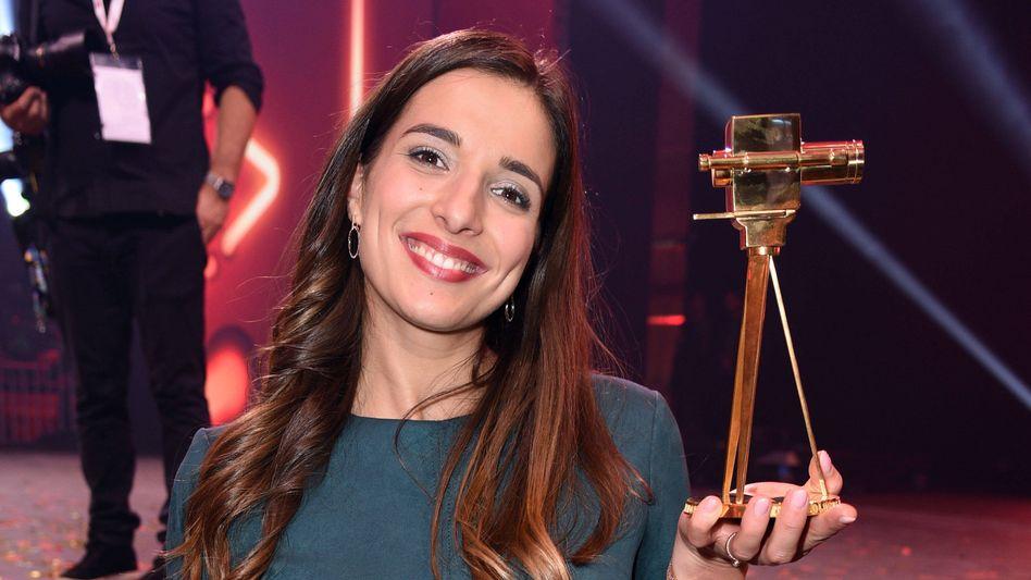 Preisgekrönt: 2019 gewinnt Saliha Özcan YouTubes »Goldene Kamera«