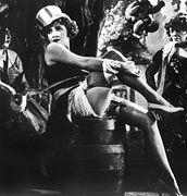 """Ihre Liebhaber brauchten ein strapazierbares Fell: Marlene Dietrich als Lola-Lola in Josef von Sternbergs """"Der blaue Engel"""""""