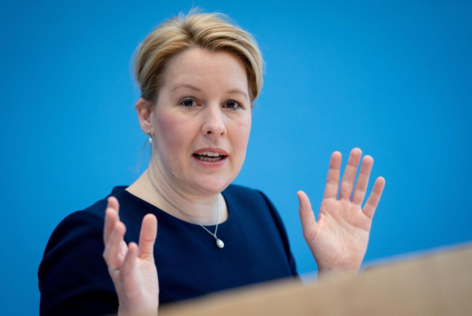 Neue Plagiatsvorwürfe gegen SPD-Spitzenkandidatin Giffey