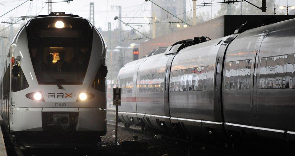 Rhein-Ruhr-Express in Düsseldorf (Archiv): Gestiegene Preise stoppen das Projekt vorerst